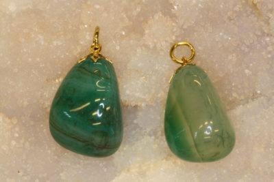 Agat grønn tulipananheng med gull farget topp ca 3cm