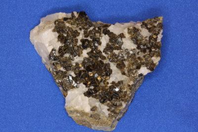 Granat Andraditt B fra Grua på Lunner  Norge 50g 4.5x5cm