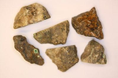 Annabergitt krystaller i moderstein fra Laurion Hellas ca 3cm