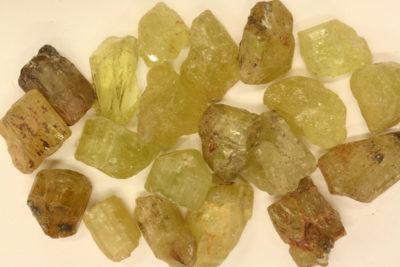 Apatitt gul krystall 10 til 15mm