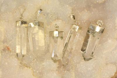 Bergkrystall anheng med sølv kappe 3 til 4cm
