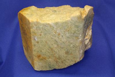 Beryll krystall fra Vanem i Moss 0.9kg 8x10cm