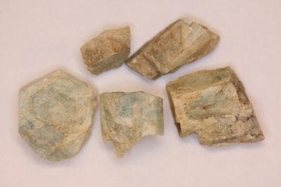 Beryll hvit, krystall i mikro eske ca 1 til 1.5cm