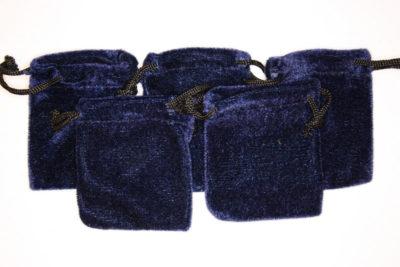 Smykkepose blå fløyel 6.5×8.5cm