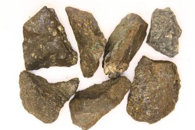 Bornitt råsteinsbit Magma Mine Arizona ca 3cm