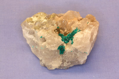 Dioptas krystaller på moderstein fra Omaue Mine Namibia 70g 3x5cm