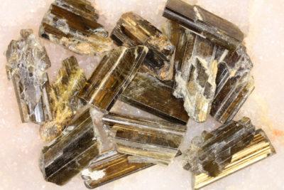 Epidot krystall 2 til 3cm