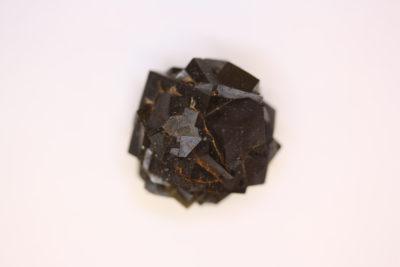 Granat Schorlomitt fra Imilchil i Marokko 19g  2×2.5cm