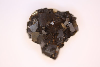 Granat Schorlomitt fra Imilchil i Marokko 36g  3x3cm