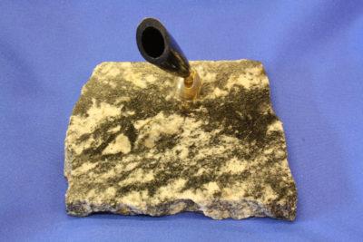 Granat gneis A  pennholder 8x9cm fra Ski i Akershus