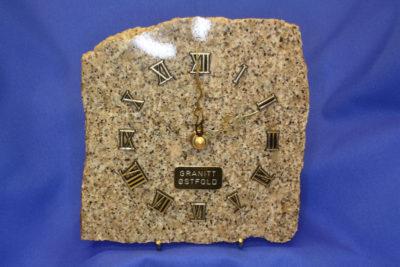 Granitt vegklokke  15x15cm