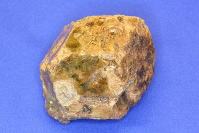 Granat Grossular krystall 345g 5×7.5cm