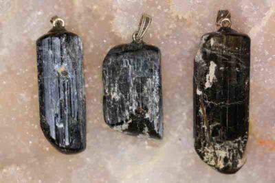 Hornblende krystallanheng 4 til 5cm