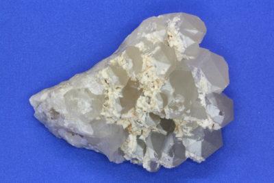 Adular B krystaller på kvarts fra Berg i Halden Norge 310g 6×8.5cm