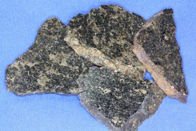 Pentlanditt platebit 4 til 5cm fra Evje Nikkelverk