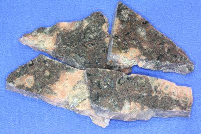 Porfyr epidot platebit 5 til 6cm fra Andebu