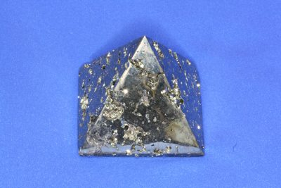 Pyritt pyramide 230g ca 5.5×5.5cm