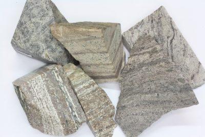 Rhyolitt fra Sande i Vestfold råsteinsbit 2 til 3cm
