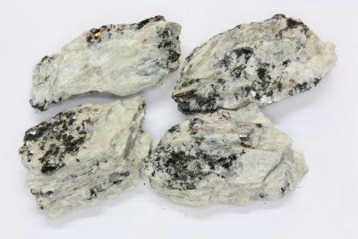 Sillimanitt råsteinsbit ca 4cm fra Akland i Risør