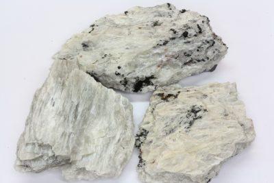 Sillimanitt råsteinsbit 4 til 5cm fra Akland i Risør