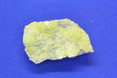 Sulfur krystaller B på moderstein 27g 3x5cm fra San Felipe i Mexico