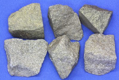 Svovelkis råsteinsbit 3 til 4cm fra Hjerkinn gruve på Dovre