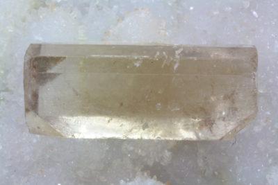 Topas gyllen krystall 142.5ct 38mm lang fra Afganistan