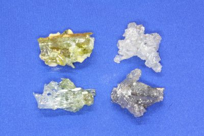 Zincitt krystallklynge ca 2.5cm   Syntetisk Polen