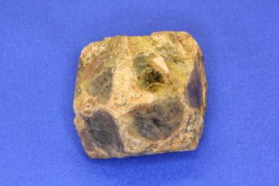 Granat Grossular krystall 110g 4x4cm