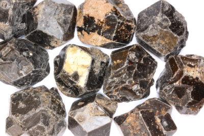 Granat Melanitt  krystall Brasil ca 3cm
