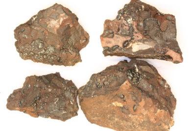 Hollanditt på moderstein 4 til 6cm fra Tangen gruver på Berntsbråten i Nannestad Norge