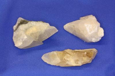 Calcitt hundetann krystall 6 til 7cm