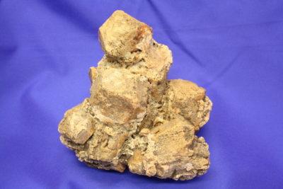 Granat Grossular gruppe fra Toven i Vefsen 1.5kg 12x13cm