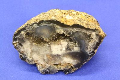 Agat geode C fra Brasil naturlig farge 175g 5x7cm
