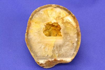 Agat geode D fra Brasil naturlig farge 225g 6x7cm