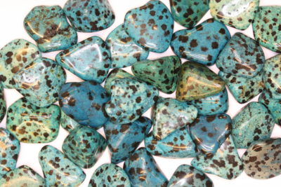 Dalmantinerstein farget blå polert ca 2cm
