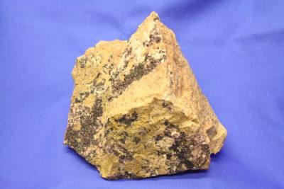 Fluoritt calcitt fra Sande i Vestfold Norge  1.8g 13x15cm