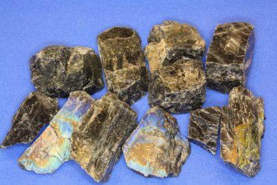 Spektrolitt sort krystall 2 til 4cm