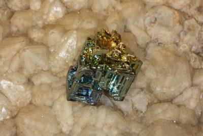 Vismuth krystall D syntetisk 14g 19x23mm