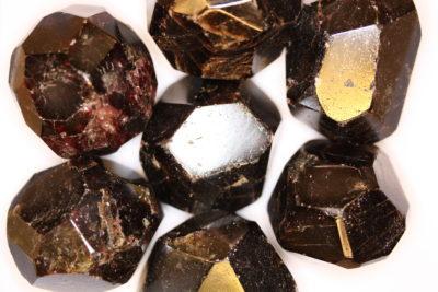 Granat Almandin polert krystall ca 4cm