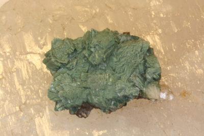 Heulanditt grønn C fra Poona i India 30g 3x4cm