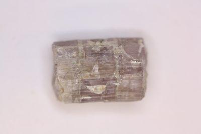 Skapolitt lilla krystall 4.5g 19mm