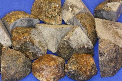 Hypersten råsteinsbit 2 til 3cm fra Østfold