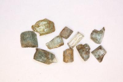 Aquamarin krystall fra Hurum 5 til 10mm i mikroeske