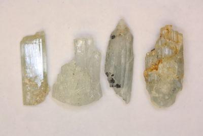 Aquamarin krystall Pakistan 20 til 30mm
