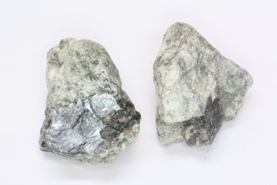 Magnesitt blå krystaller i moderstein 3 til 4cm fra Åsåren i Sel
