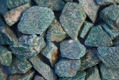 Amazonitt råsteinsbit 4 til 6cm fra Russland
