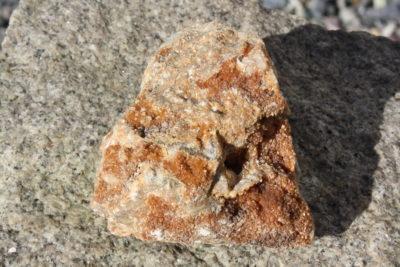Desmin og Apophyllitt fra Lier i Buskerud 200g 6x6cm