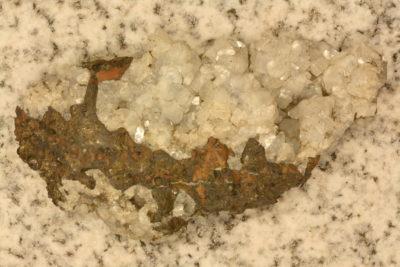 Apophyllitt hvit gruppe fra Eysteroy Færøyene 55g 4x8cm
