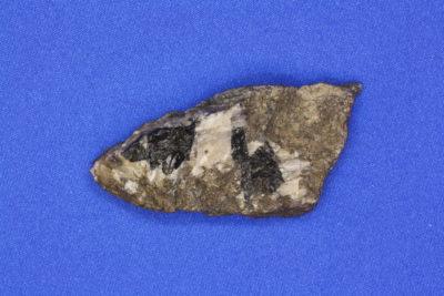 Ilvaitt i moderstein fra Grua i Lunner 40g 2.5x6cm